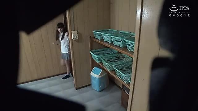 隠しカメラで大浴場の更衣室&浴場を盗撮