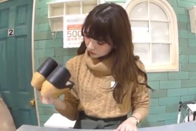 【逆さHERO】撮影者が逮〇されたガチ盗撮!シリーズNo.1美女ミニスカだから生パンツが見える見えるwww