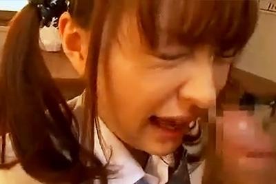 フェラを強要され泣きながらも従うツインテールの制服女子校生がエロ可愛い件