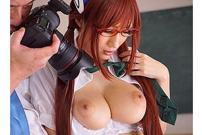 《JULIA×制服》2次元レベルの神乳宿したコスプレイヤーの女子校生コスにカメコ発情中出しレイプww