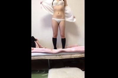 【個人撮影】自分の身体を見られるのが好きな変態女子校生が生着替えする姿を自撮りw