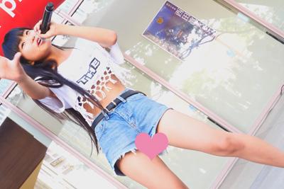 【アイドル パンチラ】高画質4Kでローアングルから撮影されパンツの柄までくっきり見えちゃう現役JKアイドル♡