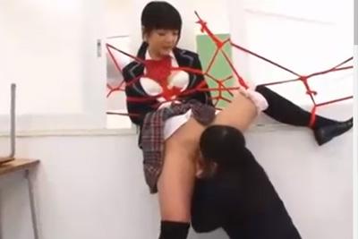 「私を調教して?」誰も居ない放課後の教室で親友同士レズ緊縛SMプレイを楽しむド変態女子校生ww