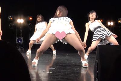 【フェアリーズ パンチラ】週刊誌にパンチラを狙われ禁止されていたダンスが復活!→案の定パンツが見えてしまった件ww 問題のシーン2:02