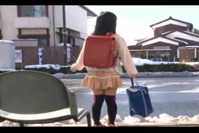 ランドセルの女の子が帰りのバスで集団輪姦される悲劇!
