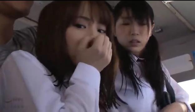 【エロ動画】美少女女子高生をバス車内で陵辱!3人の美少女を順番に犯す!