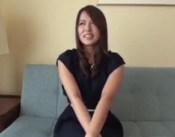 【素人動画】清楚系女子高生が部屋に連れ込まれてエロエロSEX!