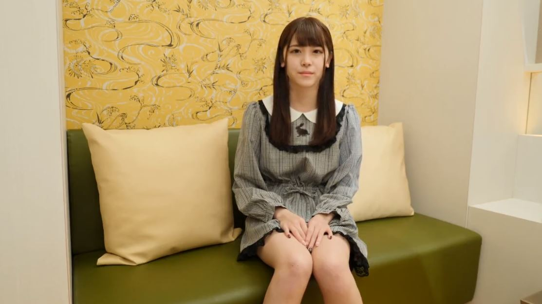 《神回円光》史上最強鬼カワ18歳美少女ハメ撮り♡乳首なめ顔が可愛い過ぎ♪