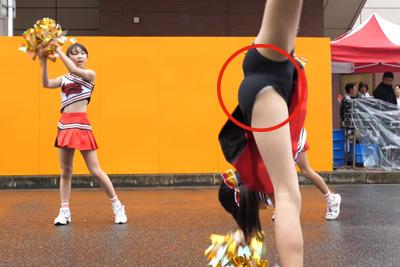 【文化祭 パンチラ】JKチアガールカメラに向かって側転大開脚パンチラを4K高画質カメラでしっかり撮影♡ 問題のシーン4:06