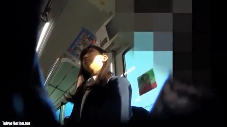 《女子校生ガチ動画パンティ逆さ盗撮》【顔出し】『アイドル級美少女!!!』JK数人のパンティを撮影♪